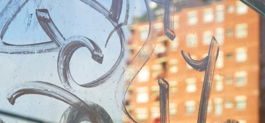 anti-graffiti-window-film